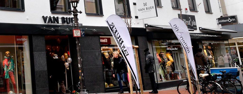 Modehaus Van Buer und mittendrin
